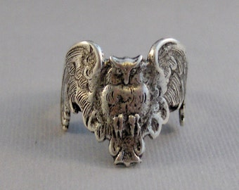 Winged Hoots,Owl Ring,Woodland Ring,Owl Jewelery,Hoots,Ring,Silver Ring,Gothic Owl,Gothic Ring,STeampunk Ring,Antique Ring,Valleygirldesigns