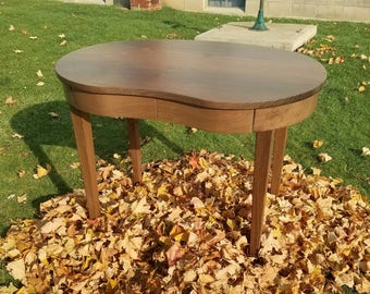 Pretty Little Kidney Shaped Desk