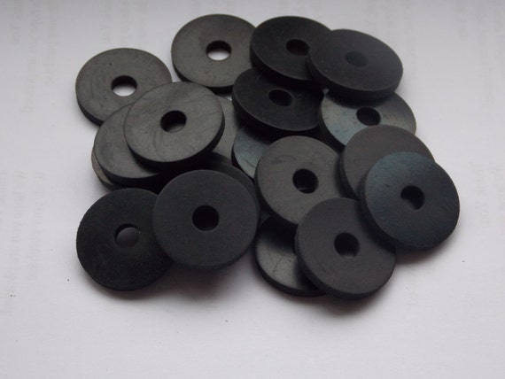 10 - BLACK RUBBER WASHERS 30mm od x 8mm id x 4mm Thick from ...