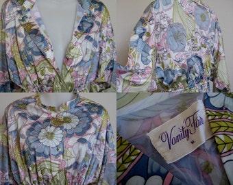 Vintage Clothing Vanity Fair M Robe Nightgown Medium Womens Sleepwear San Diego California USA CopperLocks Vintage