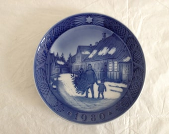 Royal Copenhagen Christmas Plate 1980 Bringing Home The Christmas Tree Boxed
