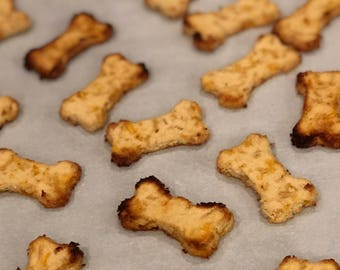 Cheesy Apple Bites - GRAIN FREE Dog Treats