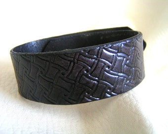 Black swirl leather cuff