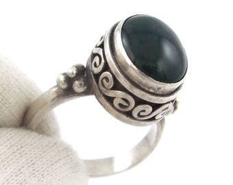 Vintage Dark Green Cabochon Sterling Silver Handcrafted Ring - Size 6.25