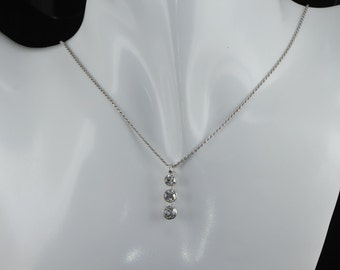 Sensational Art Deco 1,65 Ct old cut diamond trilogy platinum necklace
