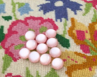 11 light pink vintage buttons - 13 mm