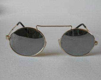 Vintage Gold Oval Frame Sunglasses