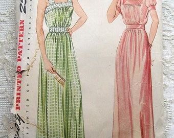 Vintage 40s Nightgown, Sleeveless or Short Sleeve Square Neck. Simplicity Sewing Pattern 4845.  Size 18 Bust 36""