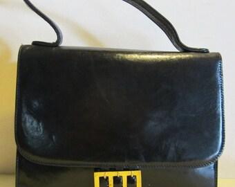 Gorgeous chic vintage Italian black leather bag Italy