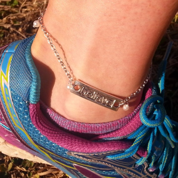 CrossFit Jewelry, BELIEVE Pearl Anklet, Inspirational Team Gift, Fitness Gifts, Sports Charm Anklet, Motivational Jewelry, Sports Charms