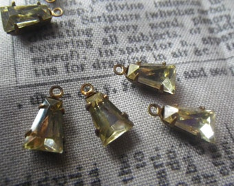 Pretty Jonquil Yellow Vintage Glass 8x5x2mm Keystone Brass Ox Earring Drops 6 Pcs