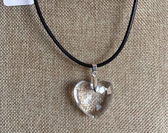 1053L Beautiful Handmade Heart Shaped Crystal Pendent Necklace