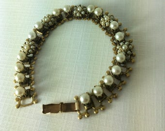 Pretty Vintage Gold And Pearl Bracelet