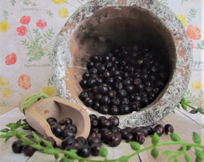 Juniper Berries, Organic Juniper Berries, dried berry, dried herb