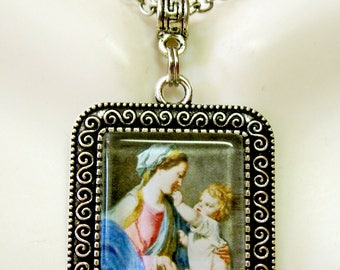 Madonna and child pendant and chain - AP02-031