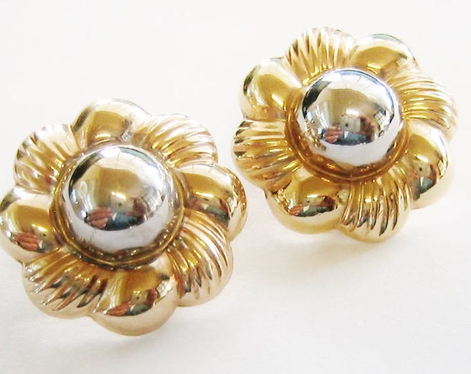 "Gorgeous..14K Yellow & White Gold, Clip On ""Daisy Flower"" Teamed Earring Set."