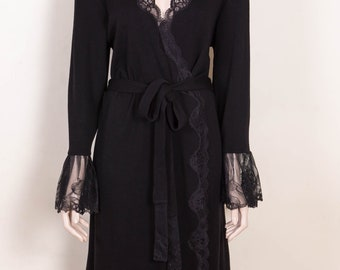 Elegant Merino woolen robe with frills of lace for women, size M and L