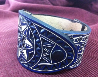 Geometric hand carved leather bracelet - tooled leather jewelry = handmade leather cuff