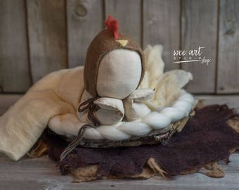 Chicken rooster hat, felted chicken bonnet, newborn hat, photography prop, ready to shipping