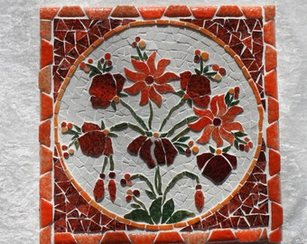 Mosaic, 20cm x20cm trivet. Bouquet of orange and Red speckled in relief.