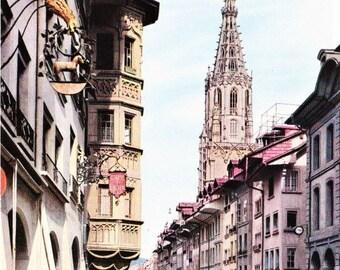Vintage Swiss Color Postcard, Bern Switzerland, Keblergasse mit Munster, European Postcard, Street Scene, Vintage Cars, Swiss Postcard