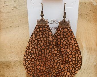 Stingray Metallic Rosegold on Chocolate Brown Leather