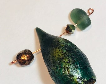Envious green pod bead from the BLONDIE FUND