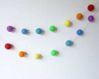 Rainbow Felt Ball Garland, Nursery Bunting, Rainbow Party Decoration, Gender Neutral Nursery, Pom Pom Garland