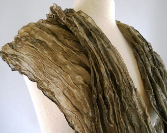 Bronze Highlights Circular Metallic Scarf
