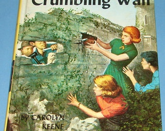 Nancy Drew #22 Clue in the Crumbling Wall 1st PC