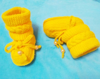 knitted baby booties,Crochet baby booties, unisex baby booties, baby boots, baby shower gift, gift for baby, size 6-9 months