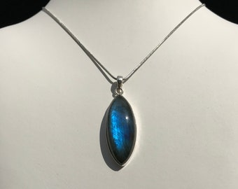 Labradorite Pendant in 925 sterling Silver