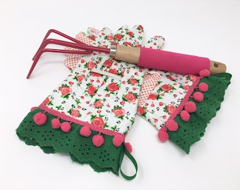 English Rose Floral Pattern Garden Gloves With Pink Pom Poms and Eyelet Ruffle. Work Gloves for Women. Gardening Spring Gift for Gardeners.