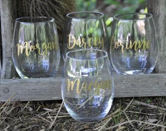 Set of 8 / Personalized Wine Glasses / Bachelorette Party / Bridal Party Wine Glasses / Wine Glass / Bridesmaid Gift / Wedding Wine Glasses