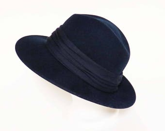 "SALE!!! Vintage LONDON FOG Hat ~ Navy Blue Crushable 100% Felt Wool & Water Repellant / Made in America / 1990's / 22.25"" inside band"
