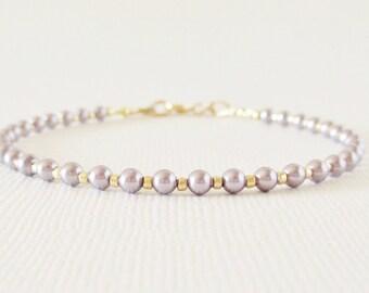 Lavender Pearl Bracelet/ Lavender Pearls Bracelet/ Delicate Lavender Pearl Bracelet/ Lavender Pearls/ Swarovski Lavender Pearls Bracelet