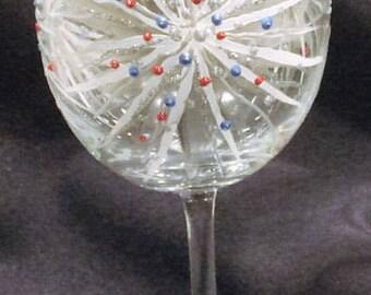4th of July Glass. Fireworks Wine Glass. Fourth of July Glass. Pretty Hand Painted Wine Glass. Sparkler Wine Glass.