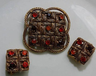 Florenza set of Vintage brooch glass and clip on Earrings