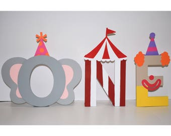 Circus Themed Letters (price is per letter) ONE | Circus Party, Circus Birthday, Carnival Birthday Party, Carnival Theme Party, Circus Theme
