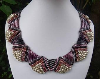 flat Cellini-Spiral/ Ruffled Collar