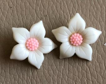 1950s Flower Earrings Vintage Retro Pink White Flower Clip Ons