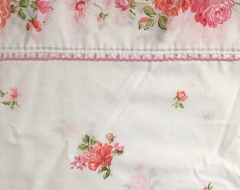 Penn Prest White and Pink Double Flat Rose Sheet // Vintage Pink Rose Floral Sheet // 1960's