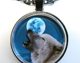 Men's HOWLING WOLF Necklace -- Wolf howling at the Full Moon,  Animal totem,  Power & wisdom, Spirit guide,  Great gift for him or her