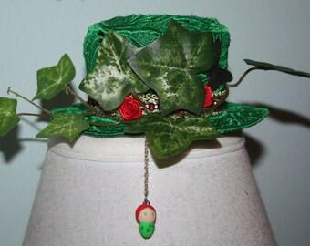 Poison Ivy Lace Mini Womens Top Hat