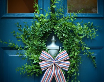"""Small Boxwood Wreath Spring Summer Winter with Bow (10"""") on Wire Frame"""