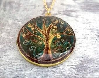 Locket,Brass Locket, Locket Necklace, brass, 18K Gold, Gold Necklace, vintage map, world map,map, vintage map locket,gift for mother,