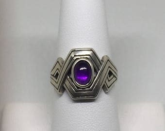 Geometric Crisscross Ring with AAA Grade Amethyst Cabochon