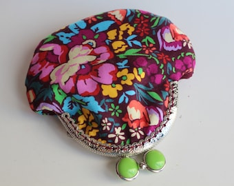 Spring Flowers, Kiss lock coin purse, Kiss clasp, Vintage Purse, Coin Holder, Change Purse, Money Pouch, Women Wallet, Small gift for friend