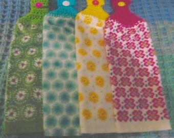 PIONEER WOMEN - crochet top kitchen hanging towels