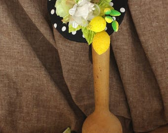 Polka Dots & Zitrone Hütchen Fascinator Headpiece Rockabella Vitamin C Limette gelb Zitrus extravagant schwarz grün Schleife vintage fifties